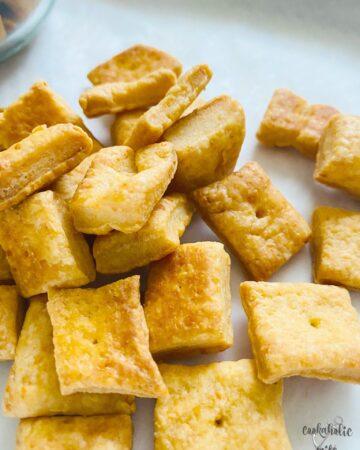 homemade.cheese.crackers