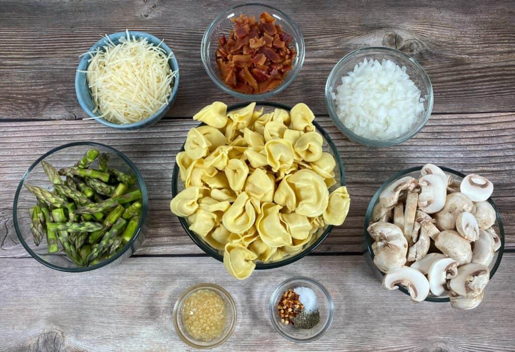ingredients of asparagus and mushroom tortellini